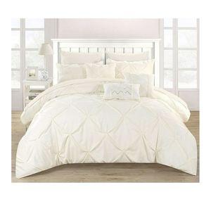 🆕️ 10 Pcs Pleated Ruffled Beige Comforter Set